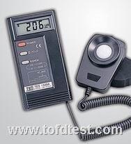 台湾泰仕数字式照度计TES1330A  台湾泰仕数字式照度计TES1330A